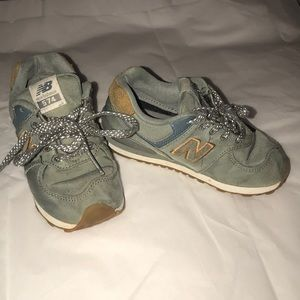 GUC youth New Balance sneakers. Size 9